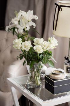 White flowers  http://skiglari-norppa.blogspot.com
