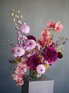 Studio Work | Portland Florist | Color Theory Design Deco Floral, Floral Foam, Flower Vases, Flower Art, Flowers In A Vase, Image Nature, Vase Arrangements, Floral Artwork, Floral Supplies