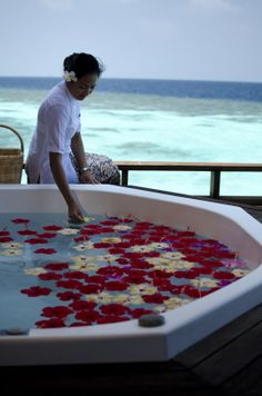 Time To Relax Lily Beach Maldives, Maldives Honeymoon, All Inclusive Resorts, Beach Resorts, Spa Offers, Wellness Spa, Luxury Spa, Beautiful Places To Visit, Resort Wear