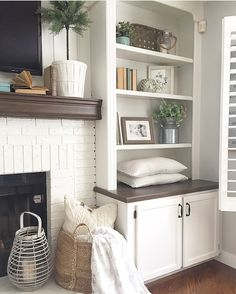 Fireplace Bookshelves, Fireplace Built Ins, Home Fireplace, Bookshelves Built In, Fireplace Remodel, Living Room With Fireplace, Fireplace Design, New Living Room, Home And Living