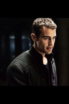 Tobias looking sexy as ever Divergent Theo James, Divergent Fandom, Divergent Trilogy, Divergent Insurgent Allegiant, Tobias, Maze Runer, Theo Theo, Theodore James, James Lee