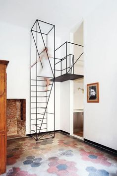 """amazing metal stairs design in house """"C"""" of the Architects Italians Francesco Librizzi and Matilde Cassani Metal Stairs, Modern Stairs, Modern Bookshelf, Painted Stairs, Interior Stairs, Interior Architecture, Dezeen Architecture, Modern Interior, Studio Interior"""
