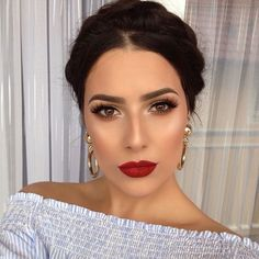 Rote Lippen, braune Augen, tolles Make-up. - - - up LippenYou can find Dupes and more on our website.Rote Lippen, braune Augen, tolles Make-up. - - - up Lippen Glam Makeup, Red Lips Makeup Look, Elegant Makeup, Formal Makeup, Makeup Inspo, Makeup Inspiration, Hair Makeup, Red Lipstick Makeup, Makeup For Tanned Skin