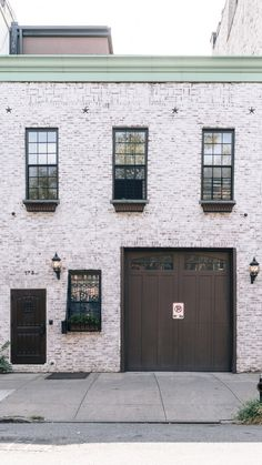 Brooklyn Neighborhoods: Greenpoint's finest attractions, their real estate market, and places you'll want to grab a bite to eat at! Brooklyn Neighborhoods, Nyc Real Estate, Real Estate Marketing, Townhouse, The Neighbourhood, Blues, Industrial, York, Eat