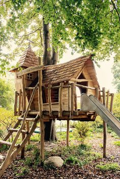 Backyard Discovery Spring Cottage Cedar Playhouse Do you have a large garden with trees at home? The Cedar Playhouse, Garden Playhouse, Build A Playhouse, Playhouse Outdoor, Playhouse Ideas, Natural Playground, Backyard Playground, Backyard For Kids, Backyard Fort