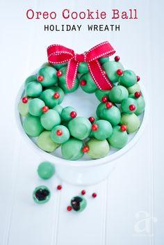 Super easy Oreo Cookie Balls Wreath Recipe for the holiday season #OreoCookieBalls #ad