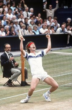 John McEnroe Wimbledon, July 1981 The always emotional John McEnroe reacts after beating rival Bjorn Borg for the Wimbledon title. He would win the tournament again in 1983 and Lawn Tennis, Sport Tennis, Cross Country, Jimmy Connors, Tennis Legends, Wimbledon Tennis, Tennis World, Sports Personality, Vintage Tennis