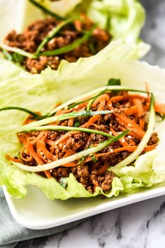 Gochujang Beef Lettuce Cups are a quick weeknight dinner, an easy prep ahead lunch, or double up for a good freezer friendly batch cooking recipe. Veggie Recipes, Beef Recipes, Dinner Recipes, Healthy Recipes, Beef Meals, Freezer Meals, Healthy Foods, Gochujang Recipe, Lettuce Cups