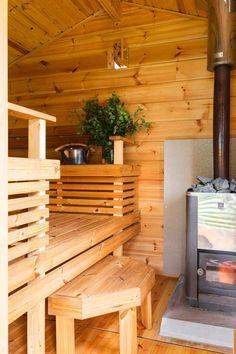 Tunnelmallinen pihasauna korvasi sähkösaunan   Meillä kotona Outdoor Sauna, Outdoor Decor, Saunas, Cottage, Cabin, Wood, Muoto, Sauna Ideas, Home Decor