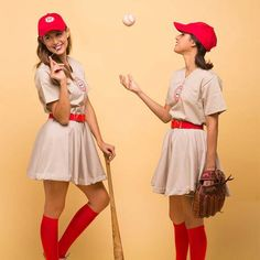 The Rockford Peaches Want You! If you love the classic 1992 baseball movie A League of Their Own, then there's no doubt that you'll want to go out this year for Halloween suited up and ready to take any position that Jimmy Dugan, the coach of The Rockfor Partner Halloween Costumes, Fete Halloween, Cool Halloween Costumes, Diy Costumes, Adult Costumes, 1950s Costumes, 80s Movie Costumes, Girl Group Costumes, Halloween Ideas