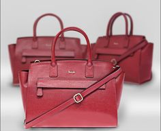 Saffiano leather and bright colors for our SAF0337L. Come see this and many other high quality italian leather bags at http://www.pelletteriaveneta.com/eng/catalog-handbag-c1316.html