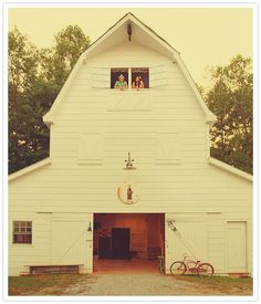 Wow this is almost exactly what I've drawn up for my barn - mine is much smaller but I may have to make it like this.  I can see me using the loft for sewing! Cottage, Barn Loft, Country Barns, Amish Barns, Country Living, Country Life, Country Roads, White Barn, Dream Barn