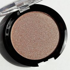 CHARISMA is a stunning rose gold!!! Can be worn as highlighter or eyeshadow.  Incredibly pigmented and enriched with ultra-fine, luminosity-boosting pearls and light-refracting pigments, our highlighters can be worn alone or layered over Divina's gorgeous Cream Luminizers to achieve an intense, lit-from-within skin finish.   Apply sparingly to cheekbones, brow bones, inner corner of eyes and bridge of nose and cupid's bow. It can also be used as eyeshadow.
