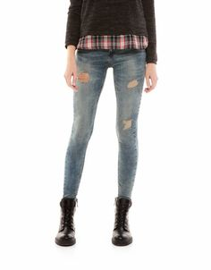 Bershka Italia - Jeans BSK dettaglio strappi