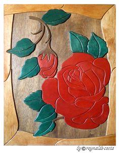 ROSAS I - Quadro em madeira de 3mm de espessura, alto relevo - Estilo Intarsia (Marchetaria) - Medida 44cm x 56cm