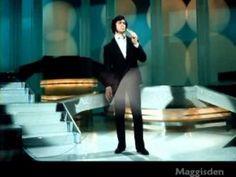 THE POWER OF LOVE = ENGELBERT HUMPERDINCK - YouTube
