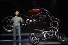 Naquela que foi designada por Ducati World Première 2016, Claudio Domenicali, o CEO da marca, mostrou ontem ao público nada mais nada menos do que 7 novos modelos da casa transalpina.