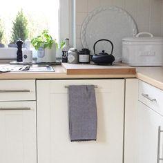 Küche mit holzarbeitsplatte  Entdeckt die schönsten Inspirationen und Ideen weißer Küchen mit ...