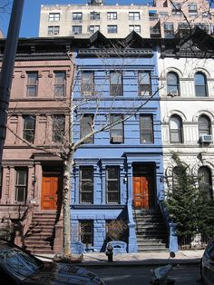 I promise this is the last row house! I just loved that it's blue.