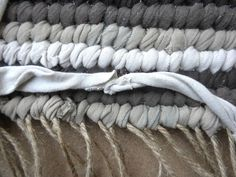 How to weave a rag rug; w/- simple step by step photo tutorial.