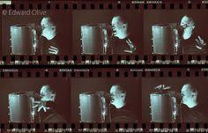 Locutor inglés británico nativo con estudio propio. Residente en Madrid y servicios para Barcelona y toda España. Narrador, corporativo, publicitário, dramático, voces & acentos. Presentador de programas y videos de empresa. Locuciones, voz en off y doblaje http://www.locutoringles.es/