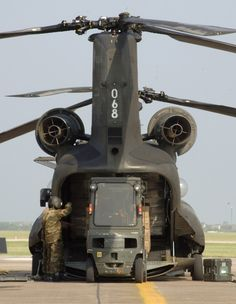 CH-47 unloading.   ;-)