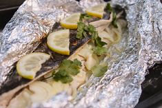 Easy snoek braai with chili sauce - Getaway Magazine Braai Recipes, Pate Recipes, Oven Recipes, Fish Recipes, West African Food, South African Recipes, Ethnic Recipes, Peri Peri Sauce, Garlic Juice