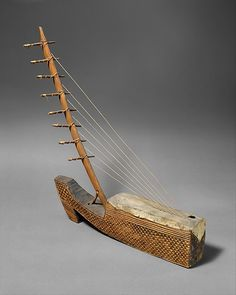 Ngombi (arched Harp) | Fang/Kele people | The Met