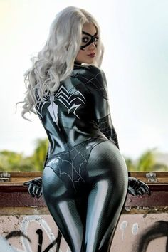 """steam-and-pleasure: """"Black Cat Symbiote from Marvel Cosplayer: Zenith Cosplay Photographer: Hamish M """" Diy Halloween Costumes For Women, Diy Costumes, Costume Ideas, Halloween Halloween, Halloween Makeup, Modest Costumes, Female Costumes, Classy Halloween, Halloween College"""