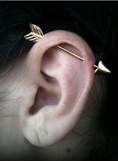 Gold arrow cartilage piercing earrings #cartilage #earrings www.loveitsomuch.com