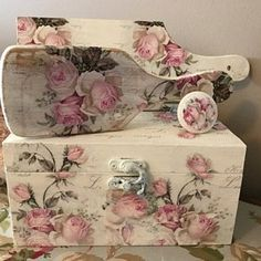 roseannsvintageroses added a photo of their purchase Shabby Chic Crafts, Vintage Shabby Chic, Shabby Chic Homes, Shabby Chic Decor, Chabby Chic, Shabby Chic Farmhouse, Vintage Roses, Shabby Chic Furniture, Decoupage Jars