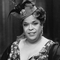 Picture: Della Reese in 'Harlem Nights.' Pic is in a photo gallery for Della Reese featuring 10 pictures. Black Actresses, Actors & Actresses, Della Reese, Brideshead Revisited, Touched By An Angel, Harlem Nights, Catherine Zeta Jones, Female Singers, Black History