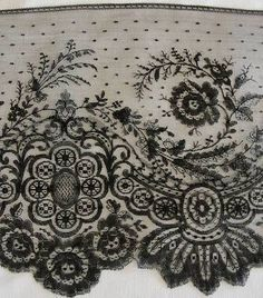 Antique Victorian Gorgeous CHANTILLY Black Lace ~ Perfect for Doll Dressing