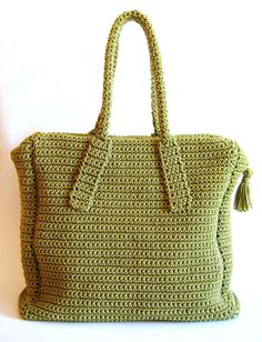 Pattern for a carryall crochet bag. To crochet back and forth making two main pieces. Basic stitches, detailed images, written instructions.