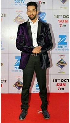 Karan Vohra, Sad Song Lyrics, Tv Actors, Saddest Songs, Best Couple, Handsome Boys, Funny Jokes, Bollywood, Celebs