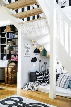 15 cozy reading nook in under the stairs home design and interior home proj Under Stairs Playroom, Attic Playroom, Home Design, Reading Nook Kids, Bedroom Nook, Bedroom Layouts, Cozy Nook, Farmhouse Bedroom Decor, Deco Design