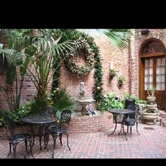 French Quarter Style Courtyards | Via Alison Skamangas