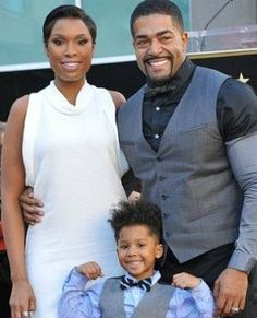 Singer Jennifer Hudson gets her star on the Walk of Fame. Her fiancé David Otunga: his father is Kenyan & his mother Caucasian-American. Black Celebrity Couples, Black Couples, Celebrity Babies, Couples In Love, Black Celebrities, Famous Celebrities, Celebs, Afro, Beautiful Family