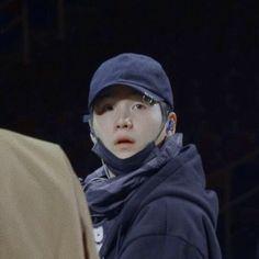 yoongi being a lil fluff Jimin, Min Yoongi Bts, Min Suga, Suga Suga, Agust D, Foto Bts, Bts Memes, Taehyung Cute, Les Bts