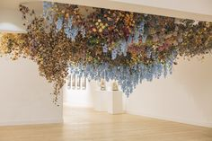 Still Life: Sculpture & Prints - Rebecca Louise Law - Rebecca Louise Law hanging gardens Deco Floral, Arte Floral, Floral Design, Instalation Art, Grand Art, Flower Installation, Hanging Flowers, Sculpture, Dried Flowers