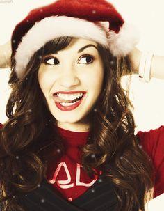 Eu tirei:Demi Lovato! Qual celebridade daria o presente que mais combina com você?