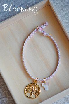 Μαρτυρικα βαπτισης βραχιολακια δεντρο ζωης 064 Bloom, Bracelets, Jewelry, Bangle Bracelets, Jewellery Making, Jewerly, Jewelery, Jewels, Bracelet