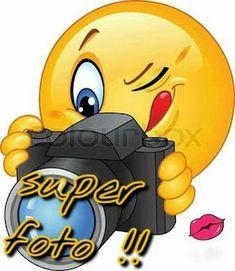 Betty Boop Birthday, Smiley Emoji, Smiley Faces, Emoji Images, Bird Quotes, Funny Emoji, Emoji Wallpaper, Good Night Quotes, Funny Stickers