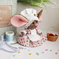 Интерьерные куклы Кузнецовой Евгении: Мышка с большими ушами и в платье. Выкройка
