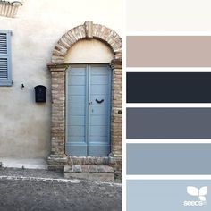 today's inspiration image for { a door hues } is by @lapelagallina ... thank you, Marilou, for sharing your wonderful photo in #SeedsColor !