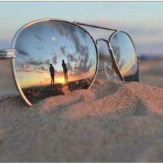 Gafas de sol en la playa.