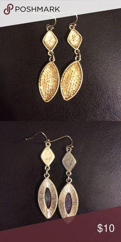 Tommy Bahama Earrings Like new! Tommy Bahama Jewelry Earrings