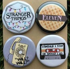 From the bright yellow phone, christmas lights, and elevens love for eggos, Stranger Things Monster, Stranger Things Pins, Stranger Things Halloween, Stranger Things Aesthetic, Stranger Things Season, Stranger Things Netflix, 14th Birthday Cakes, 11th Birthday, Best Deserts Ever