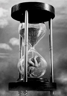 """""""Life: standing inside an hourglass, meanwhile you can see the sand coming down slowly and in the end you will be completely buried.R - image from Sebastian Art Hourglass Tattoo, Bild Tattoos, Deep Art, Bizarre Art, Dark Art Drawings, Sad Art, Time Art, Surreal Art, Photo Manipulation"""