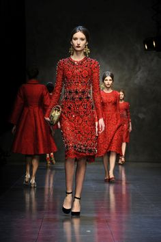 Dolce And Gabana Milan Fashion Week Spring 2013 ....  Oh my, I could not love love love the red more!